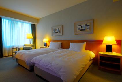カラーコーディネートで寝室をホテルライクに!:マンションリフォームの設計